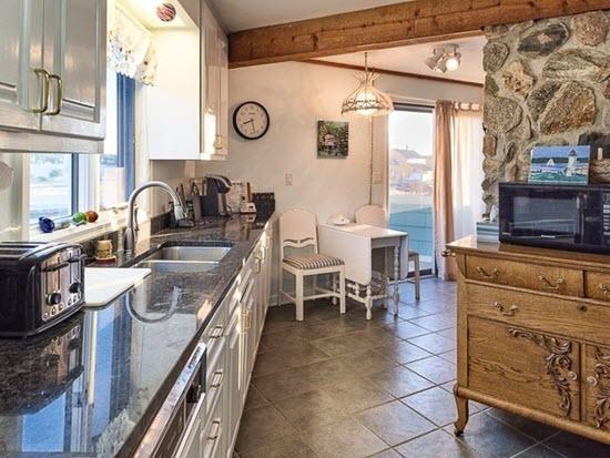 Point House Kitchen